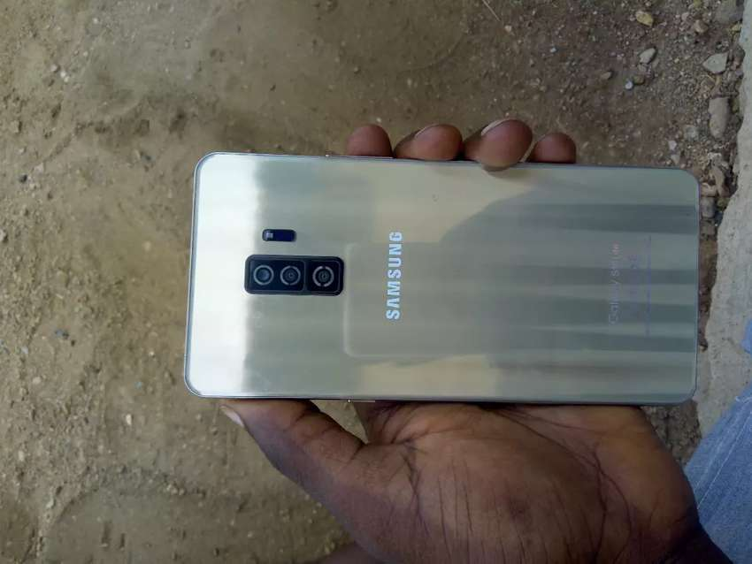 Samsung s10 lite 35k,very neat with follow  come  charger 0