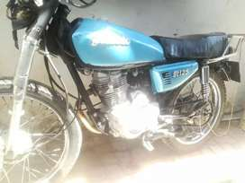 Am selling Gomoto 125cc ,reason fell with it only need head lights