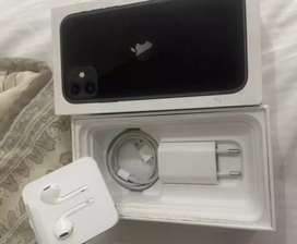 IPHONE 11 64 GB MINT CONDITION R13000