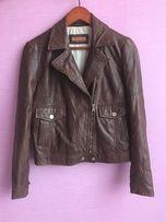 Продаётся женская кожаная куртка Massimo Dutti коричневого цвета, р.М