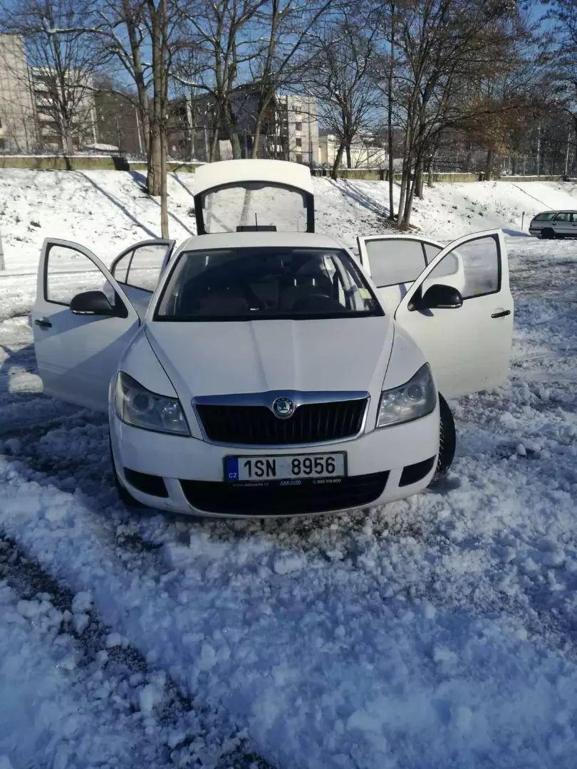 Prodam nebo vymenim Škoda Octavia 1,6 77kw 2011 0