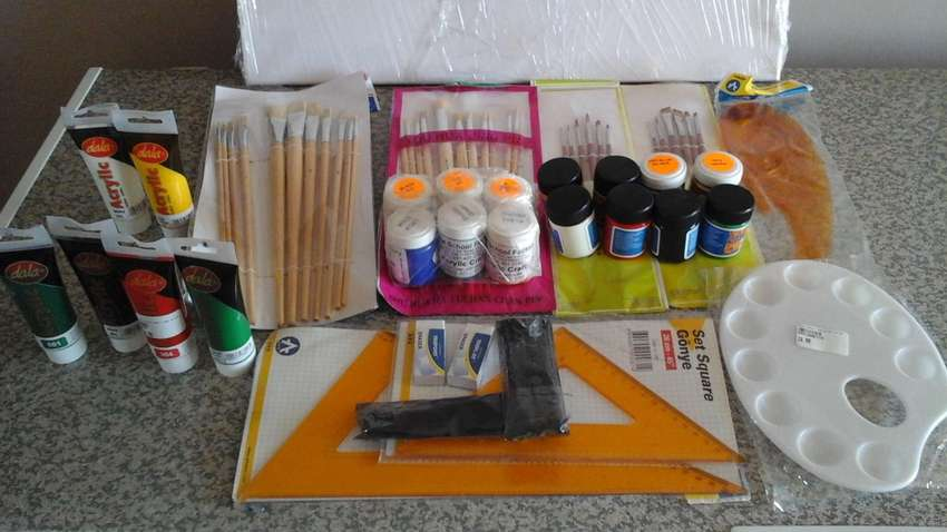 Art Supplies for sale 0