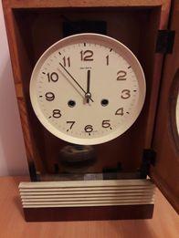 Винтажные, настенные часы Янтарь с боем