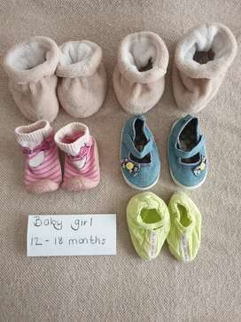 2nd Hand baby girls shoes 12 - 18 months R50 for all