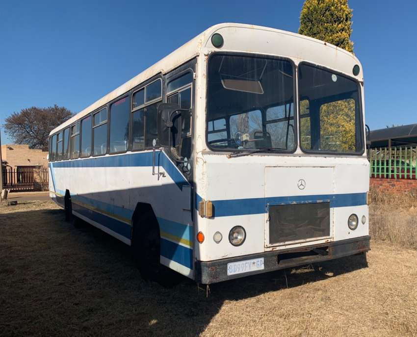 72 Seater Ford Bus 0