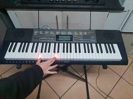 Excellent condition electronic Casio LK-265 keyboard for sale
