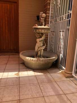 Water fountain/feature
