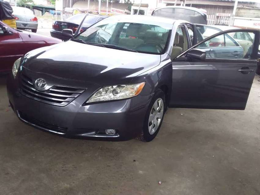 2008 Toyota Camry at a give away price 2.600,000 0