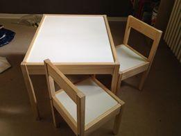 Новый комплект детской мебели, стол + 2 стульчика, белый, дерево