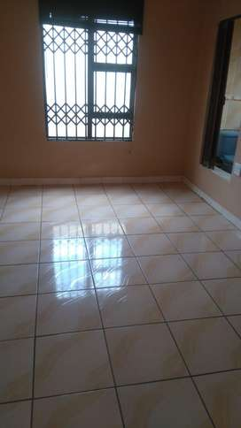 Room immediately available to rent in Rockville Soweto for 2020/21