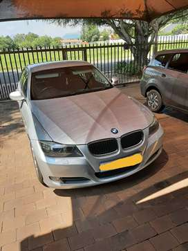 BMW320 I  E 90 EXCLUSIVE. 2009 MODEL FULL HOUSE IN GOOD CONDITION