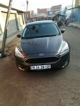 Selling my Ford Focus in immaculate condition comes with full service
