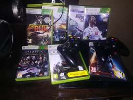 Xbox 360,2 controllers and 8 games