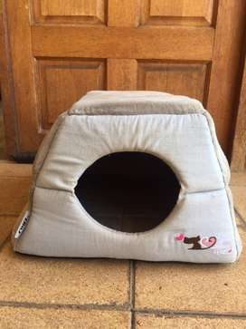 Rogz cat igloo/house and bed