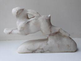 """Мраморная статуэтка """" Бегущий заяц"""". Отличный подарок охотнику"""