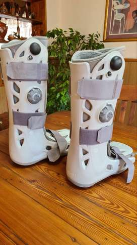 Moonboots Size Medium And Large Available R650 each