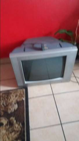 I fix lcd and tube tvs but not cracked screens