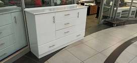 Chicago chest of drawers