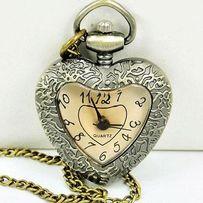 Часы кулон в форме сердца. Карманные часы