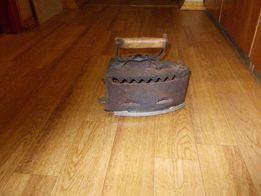 Продам старинный утюг на углях