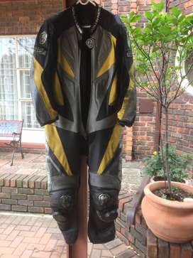 Airen Ness Tracksuit 56