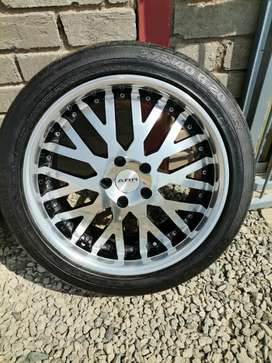 20inch rims and tyres for sale comes off my Vw Amarok