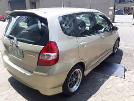 Honda jazz 1.4 R 75 000 Negotiable