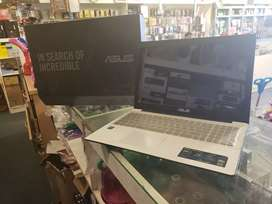 Asus laptop 500gb HDD +2gb ram