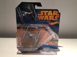 Model Hot Wheels Star Wars - Tie Fighter CGW52 CGW53