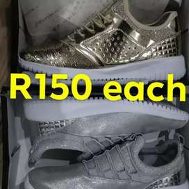 Takkies R150. Boots and shoes from R200