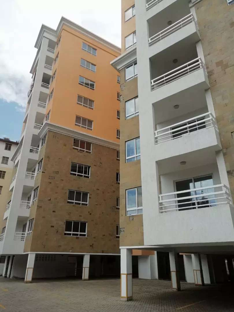 Comfort consult, 2/3brs apartment with dsq/gym /pool/lift and  secure 0