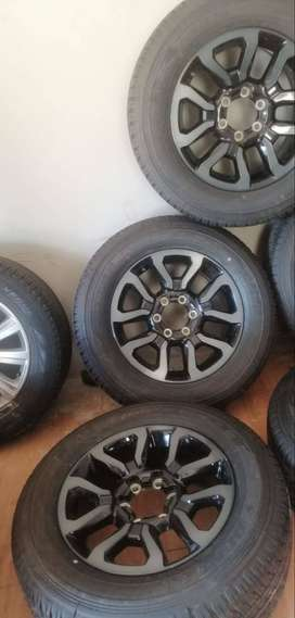 Original Toyota Legend RS mags and tyres 18''