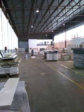650m2 factory with crane to let in Germiston