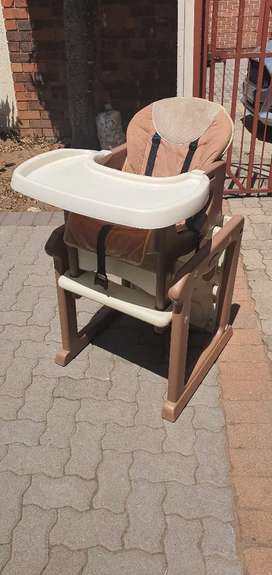 2 in 1 Feeding Chair