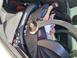 Noola car seat and isofix baseplate