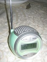 Радиоприёмник FM + часы ( Люксембург).