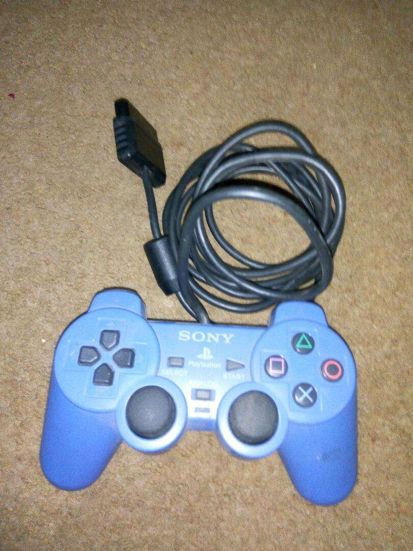 Fairly Used PS2 Game Pad 0