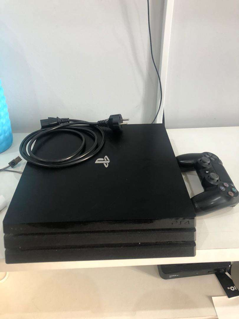 Ps4 pro 1T For sale 0
