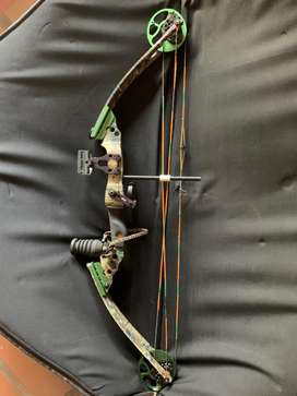 Odyssey II left handed crossbow and target