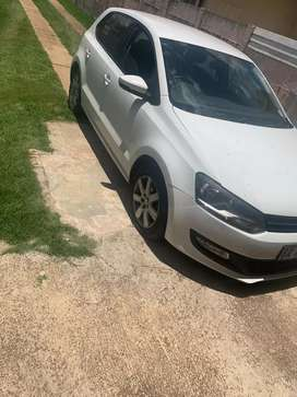 I am selling Polo 1.6 comfortline, R95 000