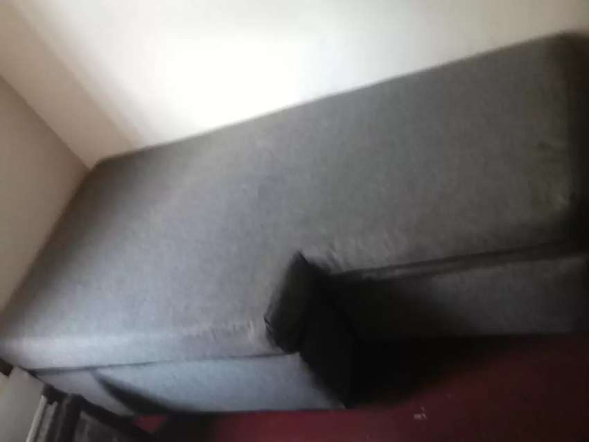 single bed couch chair 0