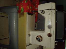 Empisal sewing machine for sale R900 very strong machine heavy duty se