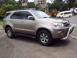 2007 Toyota Fortuner V6  4.0 leather seat 4x2