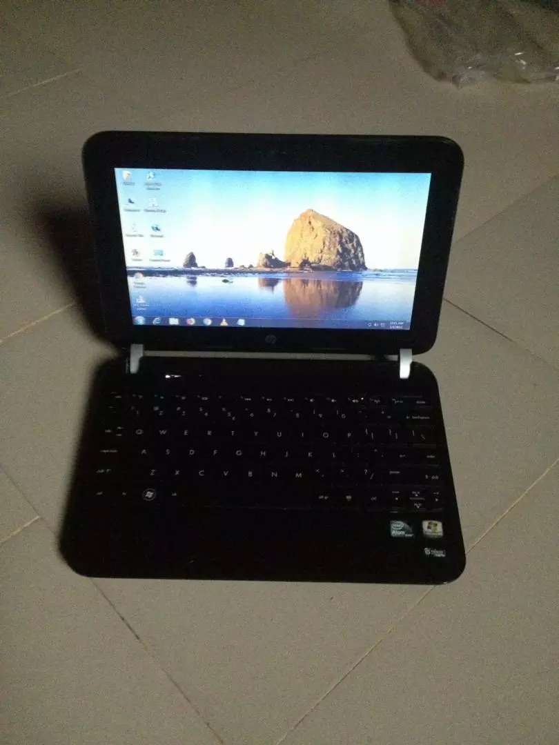 Neatly used HP Mini Laptop for sale 0