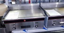 720mm Flat top gas grillers