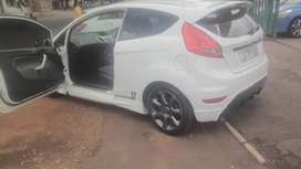 FORD FOCUS COUP 1.6 LITR 2011