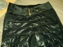 spodnie grubsze z wstawkami z eko-skóry