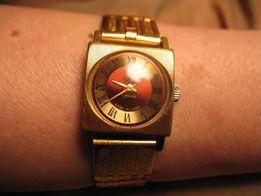 sprzedam damski pozłacany zegarek marki slava