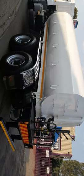 Water tanker manufacturers with hydraulic system installation