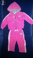 Продам спортивный костюм на девочку привезенный из Англии на 6-9 мес.